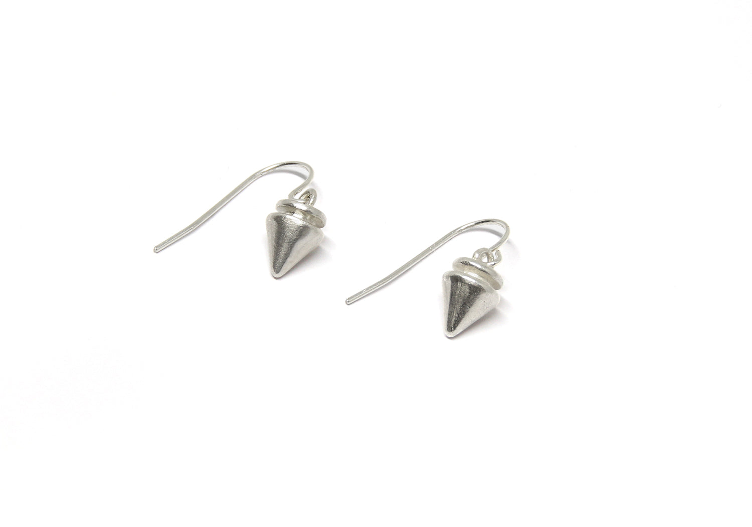llayers jewelry small spikes silver hoops earrings- boucles d'oreilles petits clous en argent