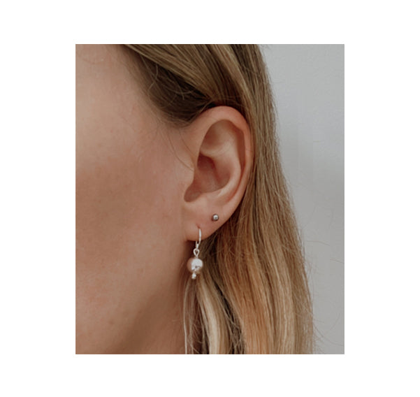llayers jewelry dangly earrings silver sphere pearl, boucles oreilles perle sphère argente