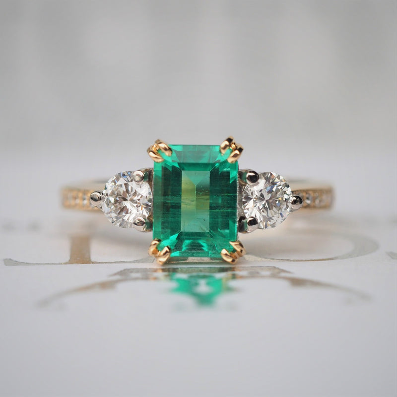 Emerald and Diamond Ring in 18ct Yellow Gold