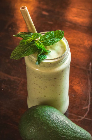 Green Powders for Smoothies - Avocado Smoothie with Spirulina