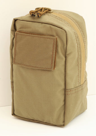 GP Small vertical zippered pouch