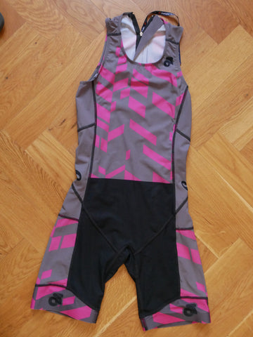 Apex Women Tri Suit      (grey-pink/back zipper)