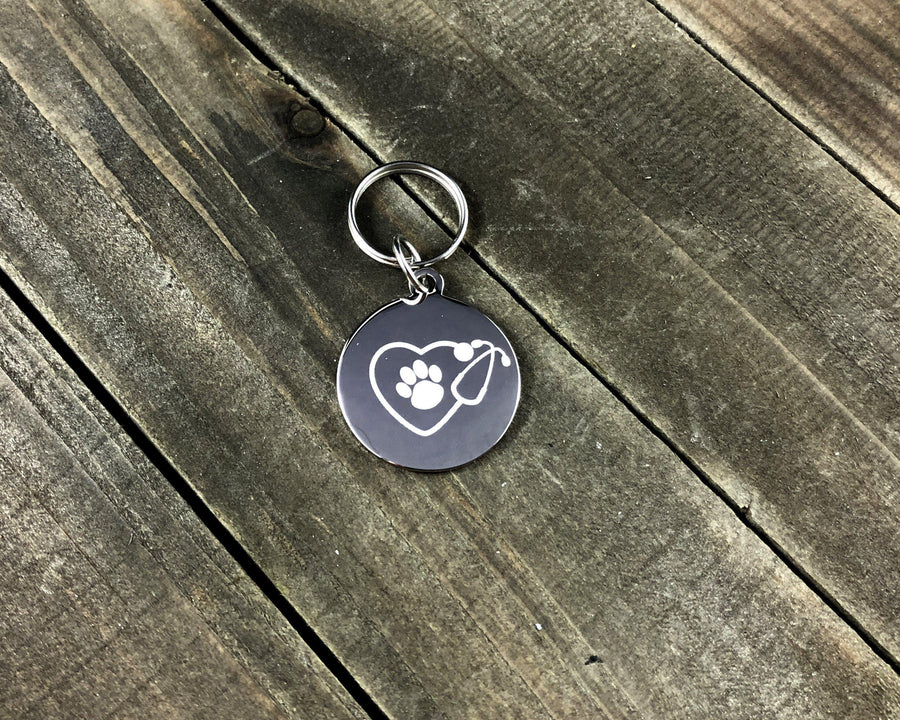 Pawprint in stethoscope tag