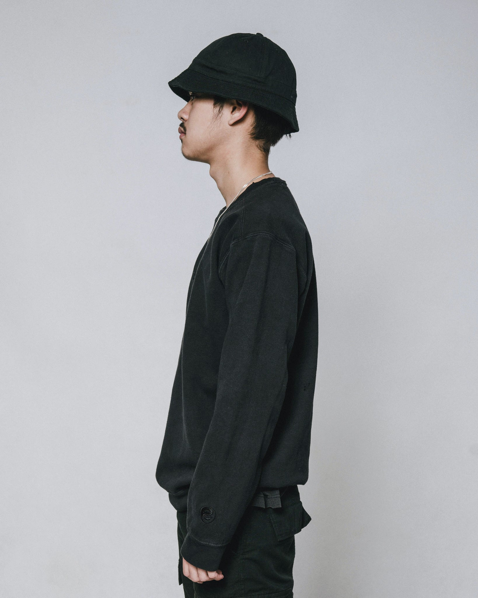 Key And Isle sweater - Black/Black