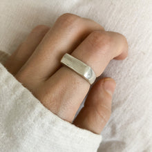 GROUND RING • MADE-TO-ORDER