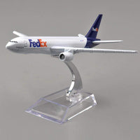 GearNets Model Aircraft 1/400 Scale Fedex Express Airplane The B777