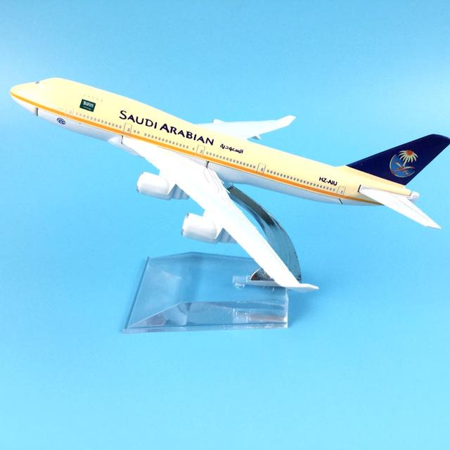 GearNets Model Aircraft 16cm Alloy Metal AIR SAUDI ARABIAN B747-400