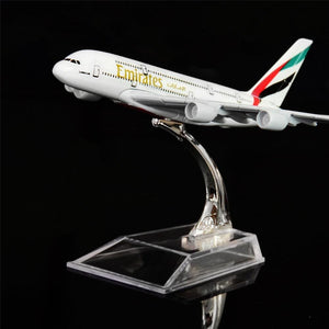 GearNets Model Aircraft Emirates Airbus A380