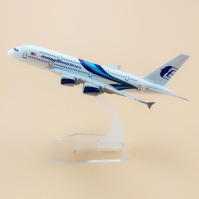 GearNets Model Aircraft MALAYSIA AIRLINES Airbus A380