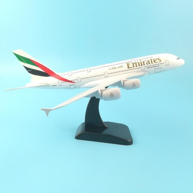 PILOTSX 20CM 246 20cm Alloy Metal Air EMIRATES A380 Model United Arab Emirates Airbus, Boeing 777 380 Airways Plane Model Aircraft Gifts