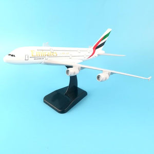 PILOTSX 20cm Alloy Metal Air EMIRATES A380 Model United Arab Emirates Airbus, Boeing 777 380 Airways Plane Model Aircraft Gifts