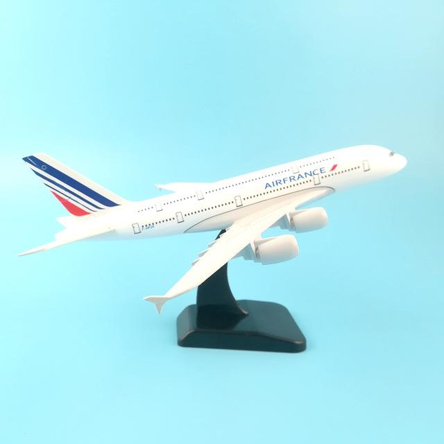 PILOTSX Model Aircraft 20CM Air france 247 EGYPTAIR Airlines The 777