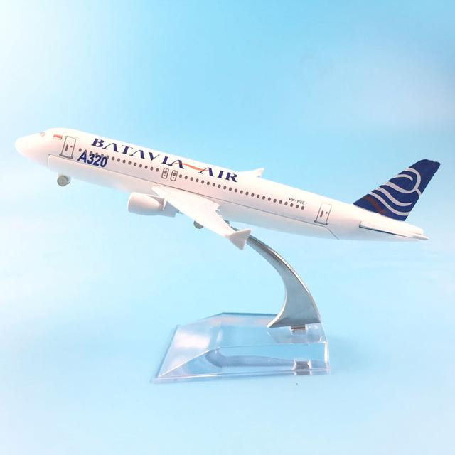 PILOTSX Model Aircraft Batavia Air Airbus A320