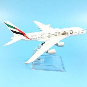 PILOTSX Model Aircraft Emirates Airbus A380