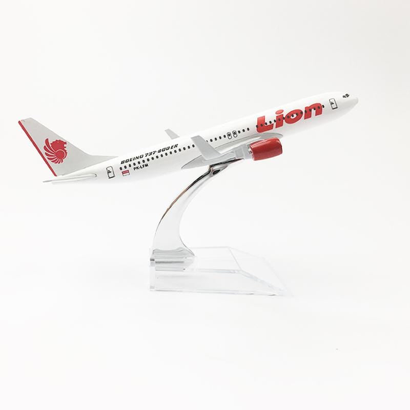 PILOTSX Model Aircraft Lion Aeroplane The 737