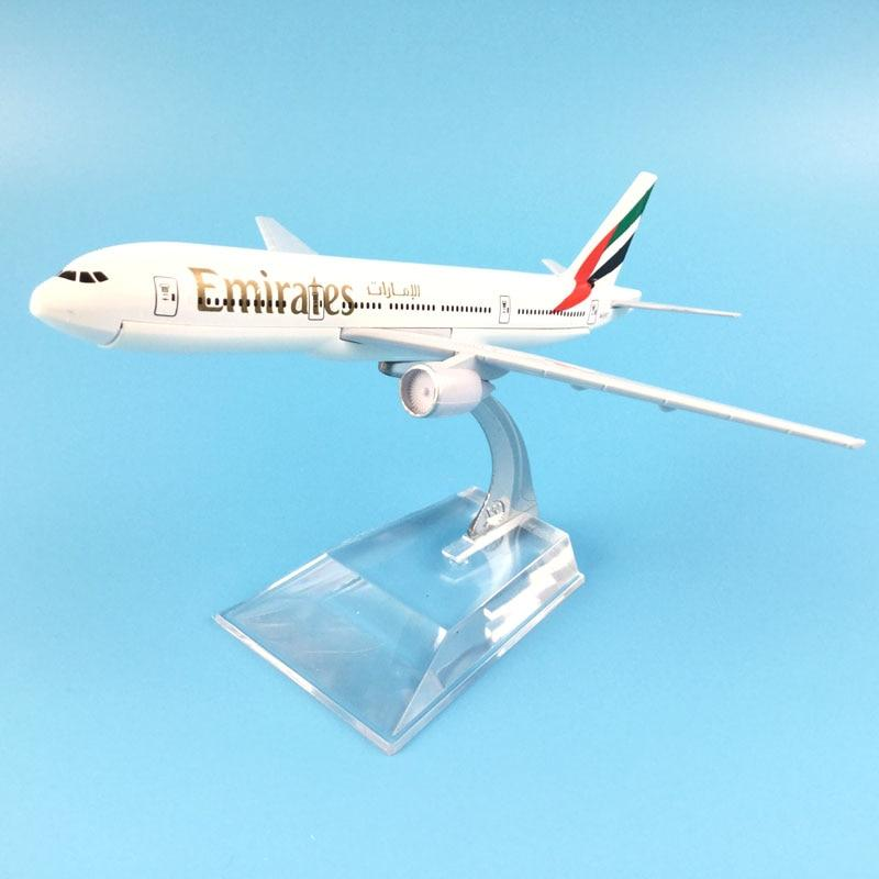 PILOTSX Model Aircraft The 777 Emirates Airline Aircraft