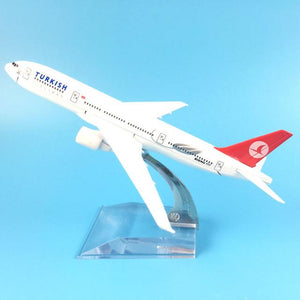 PILOTSX Model Aircraft Turkish Airlines The 777 300
