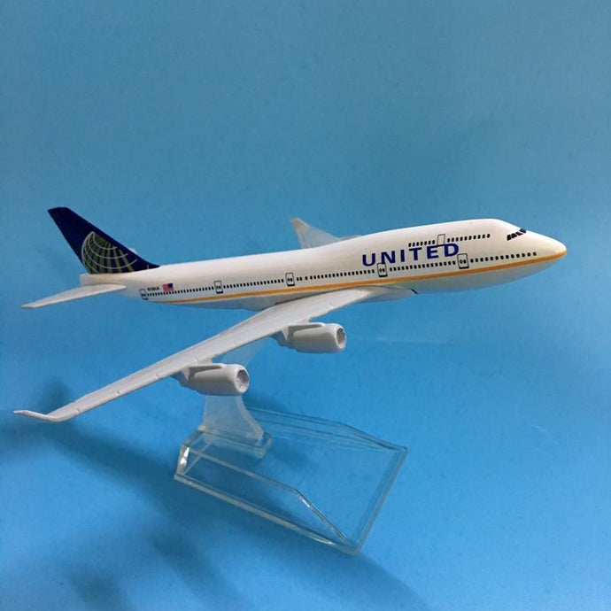 PILOTSX Model Aircraft United Boeing B747 400