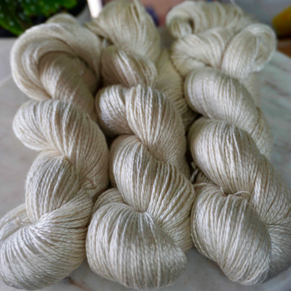 Swiss Mountain Silk Silk/Wool Nm 5/2 skeins