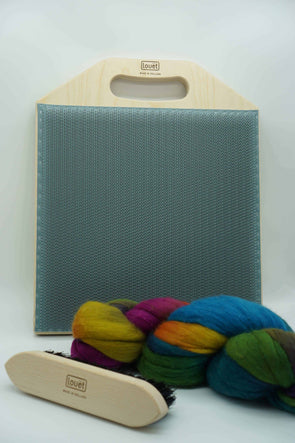 Spinning Accessories and Carding Thread Collective