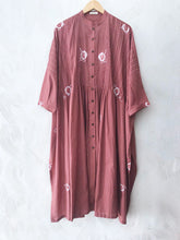 Load image into Gallery viewer, Peach Pleated Hand-done Shibori Tunic
