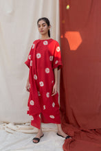 Load image into Gallery viewer, Handdone Shibori Red Kaftan
