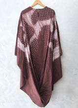 Load image into Gallery viewer, hand done bandhani kaftan