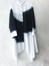 Load image into Gallery viewer, Black and White Bandhani Tunic