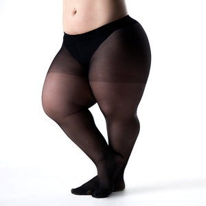 woman with dwarfism wearing black tights