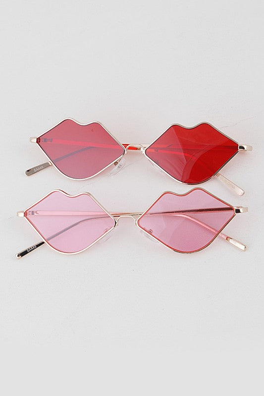 Gold wired lip shaped glasses