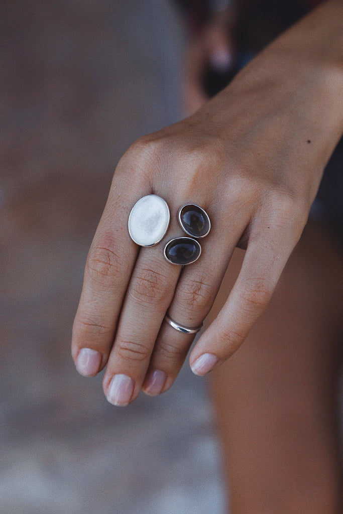 Mother of Pearl and Smoky Quartzes Ring