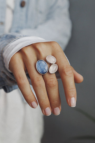 Ring with Kyanite and Rose Quartzes - Island Soul Silver Jewelry from Bali
