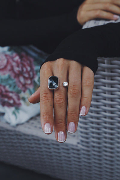 Unlined Black Onyx and White Topaz Ring - Island Soul Silver Jewelry from Bali