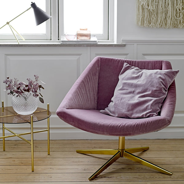 ELEGANT ARMCHAIR WITH PINK VELVET