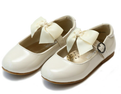 L'amour Carlita Special Occasion Bow Flat - Cream