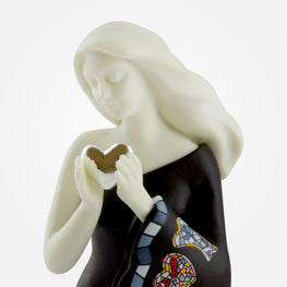 Woman Holding Heart - Black - Nadal Sirene