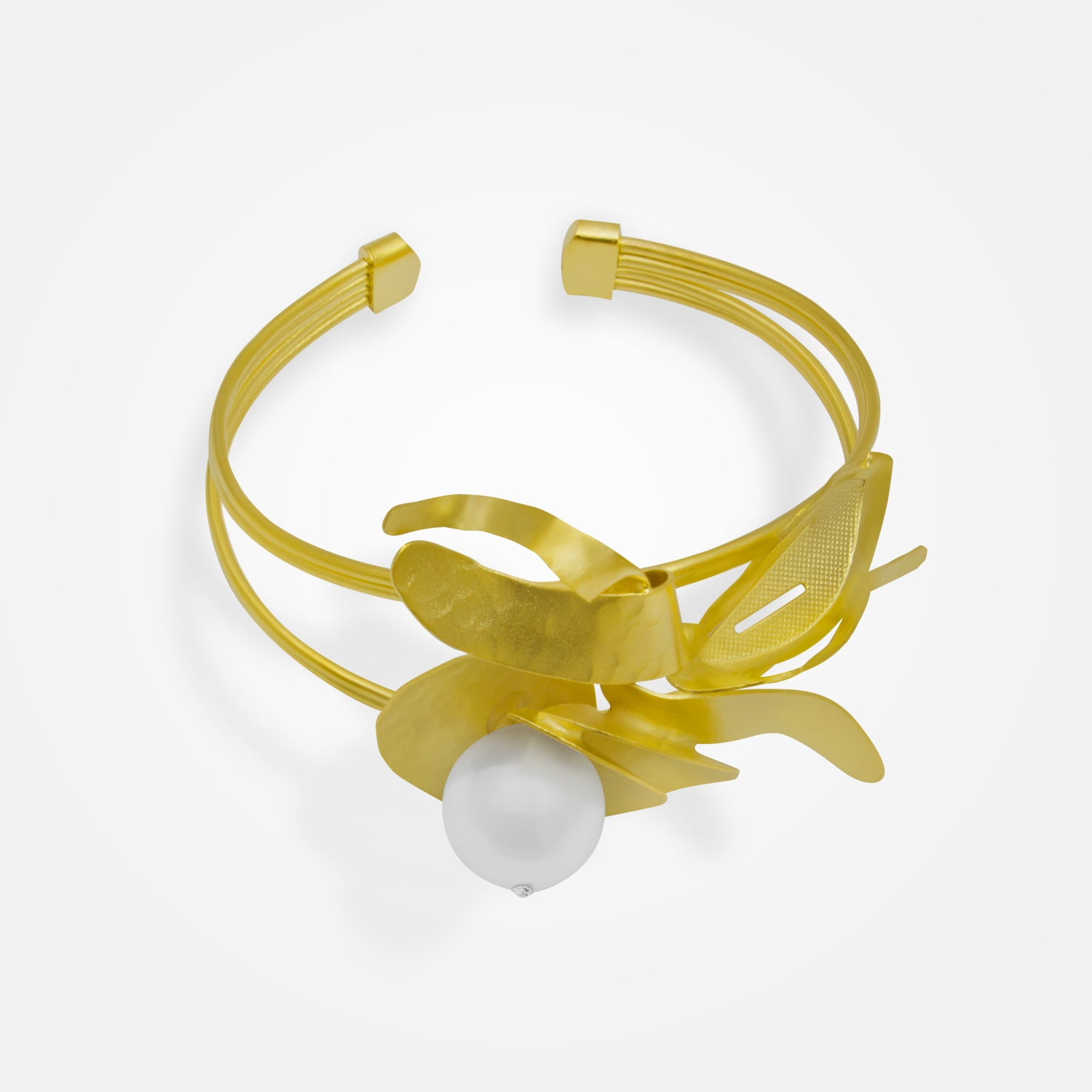 Handcrafted Golden Flower & Pearl Bracelet by FO.BE