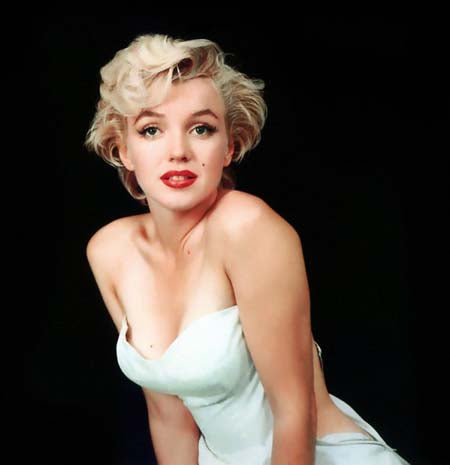 Blanket Queen Signature SE Select - DGA Marilyn Monroe White Dress