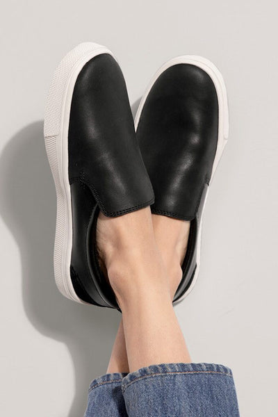 Travel Lite Slip On ~ Black