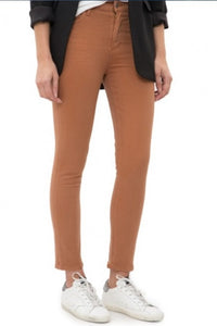 Stretch Twill Rocket Crop High Rise