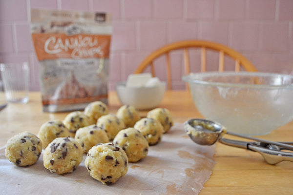 Cannoli Cake Pops ready for sticks