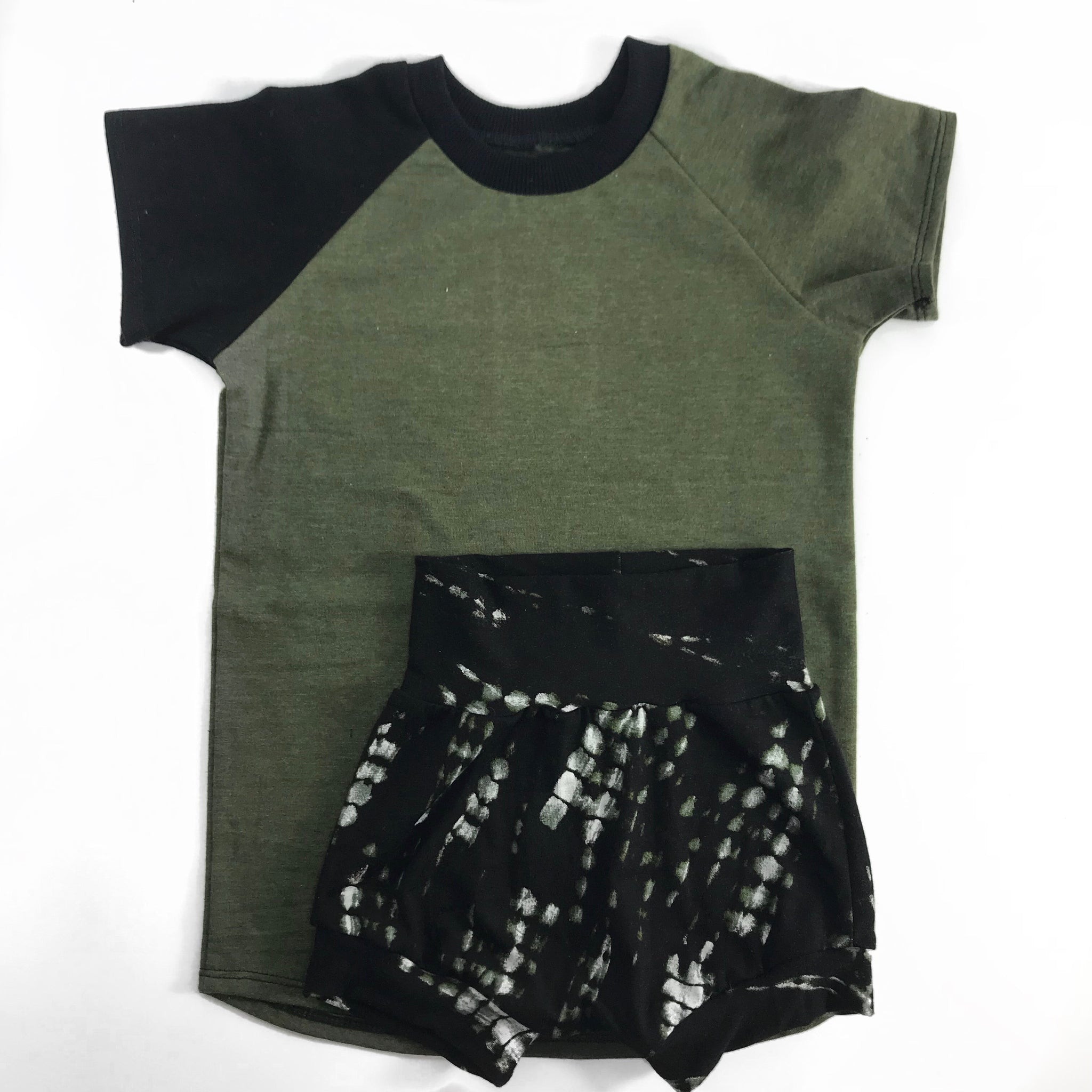 Bundle - Tracks Shorties & Olive Basic Raglan