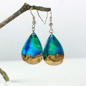 Aurora Borealis | opal earrings [raindrop]