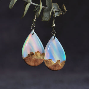 Rainbow Sky | opal earrings [raindrop]