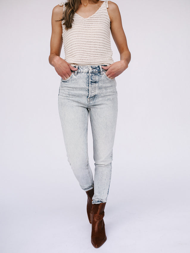 FREE PEOPLE Zuri Mom Jean // Lived In Blue