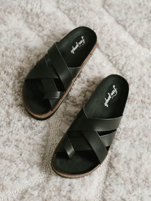 FREE PEOPLE Ventura Sandal // Black