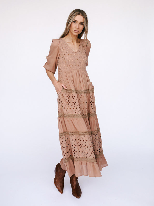 Lost In Lace Dress // Mauve