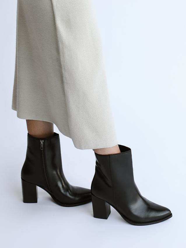 Split Second Boots-sale