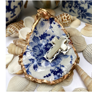 Signature Oyster Shell Jewelry Dish Blue White Floral Design