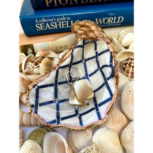 Signature Oyster Shell Jewelry Ring Dish Chinoiserie Blue Trellis Design